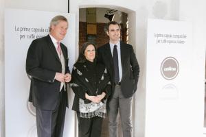 Da sinistra Gunter Pauli, Fondatore della Zeri Foundation e iniziatore della Blue Economy, Catia Bastioli, Amministratore Delegato Novamont e Marco Lavazza, Vice presidente Gruppo Lavazza