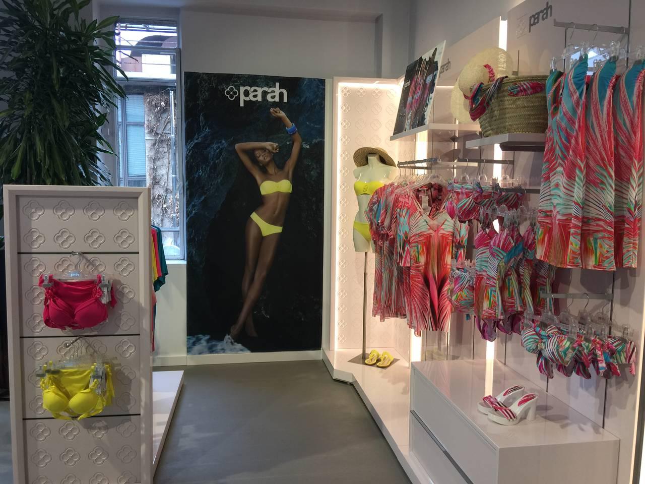 Corner showroom Parah 2