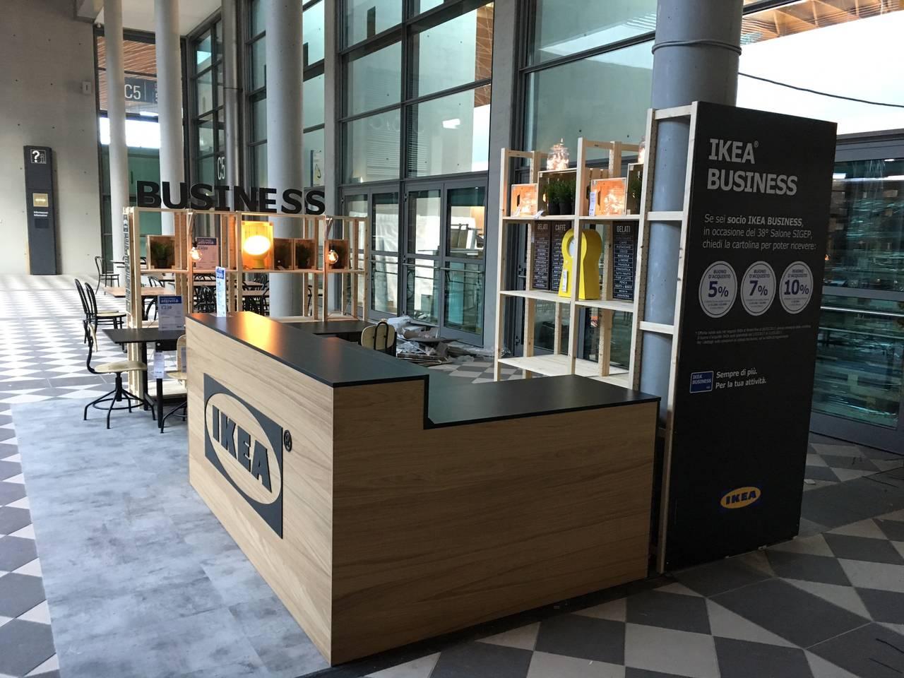 Ikea espone al sigep prodotti di arredo per attivit commerciali - Mobiletti bar per casa ...