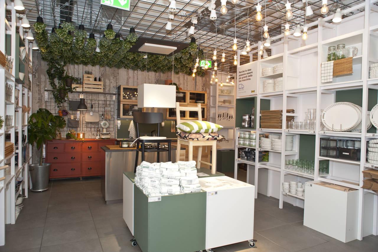 Spazio alla cucina nel primo pop up Ikea di Roma