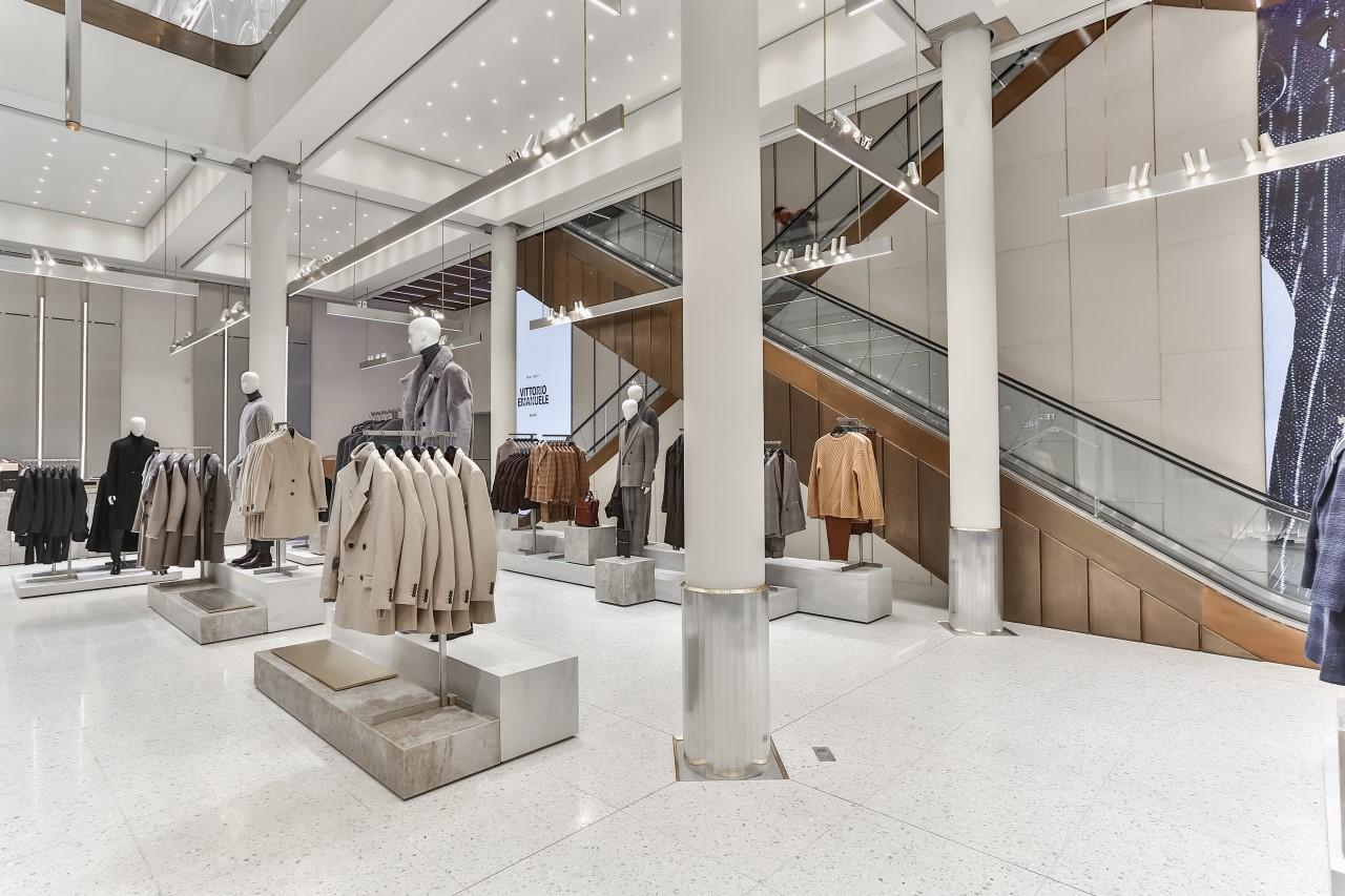 Zara uomo nuovo look per lo store di milano for Zara uffici milano