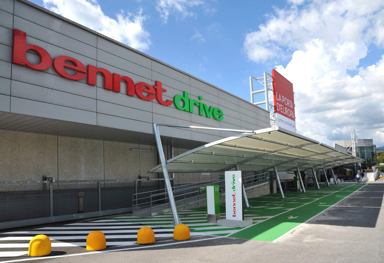 wholesale dealer a84e5 f0d02 Bennet apre il primo drive nella provincia di Varese   Gdoweek