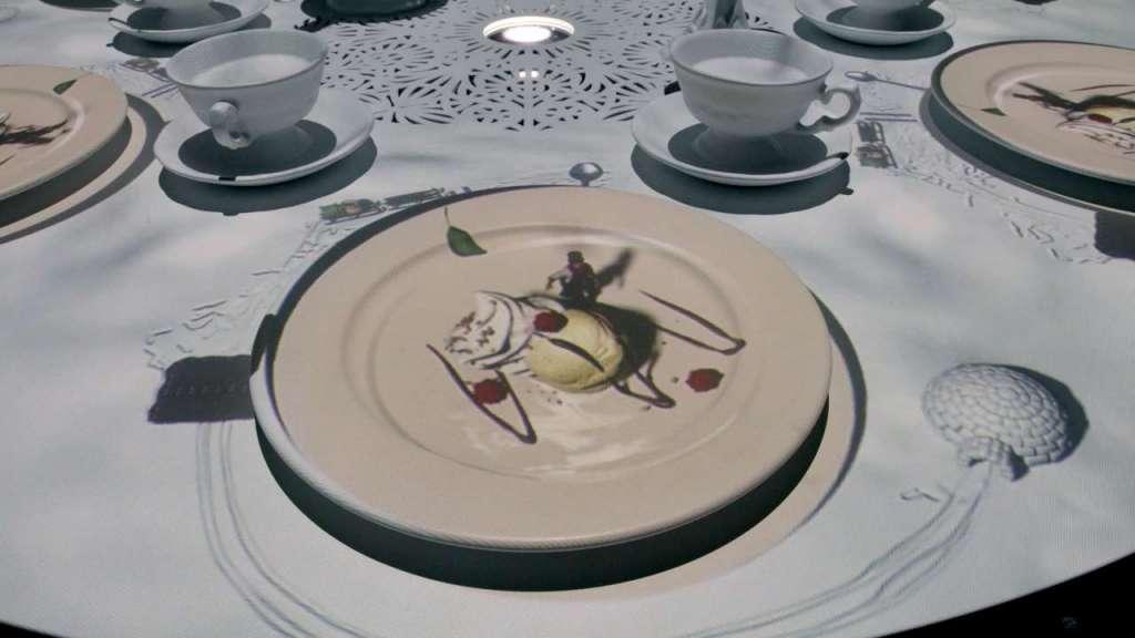 Videoproiezioni nei piatti per il ristorante del museo
