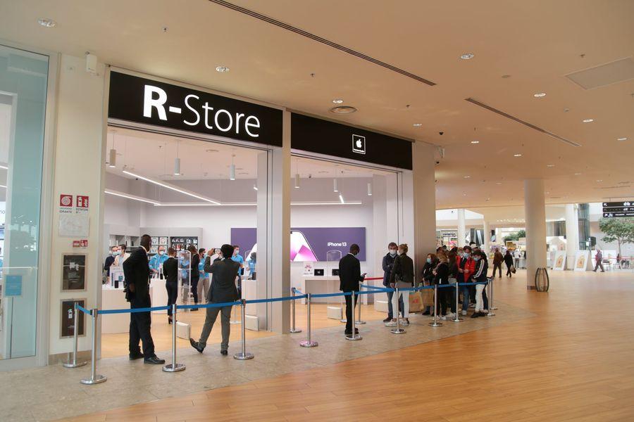 R-Store Apple, una delle più grandi aperture al Centro di Arese